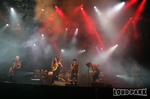 http://www.loudpark.com/09/gallery/photos/1017/big_01/image_08.jpg